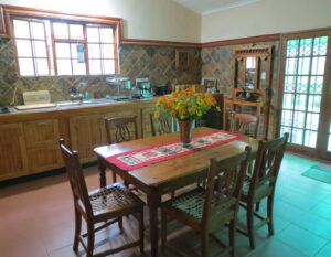 Touraco Cottage in Hogback