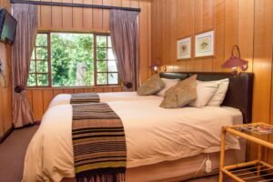 bedrooms at the kings Lodge Hotel